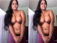 Today Exclusive- Tamil Bhabhi Showing Her Boobs