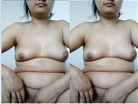 Today Exclusive-Desi Girl Showing Boobs and Pussy