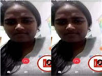 Today Exclusive- Desi Girl Showing Her Boobs on Video Call